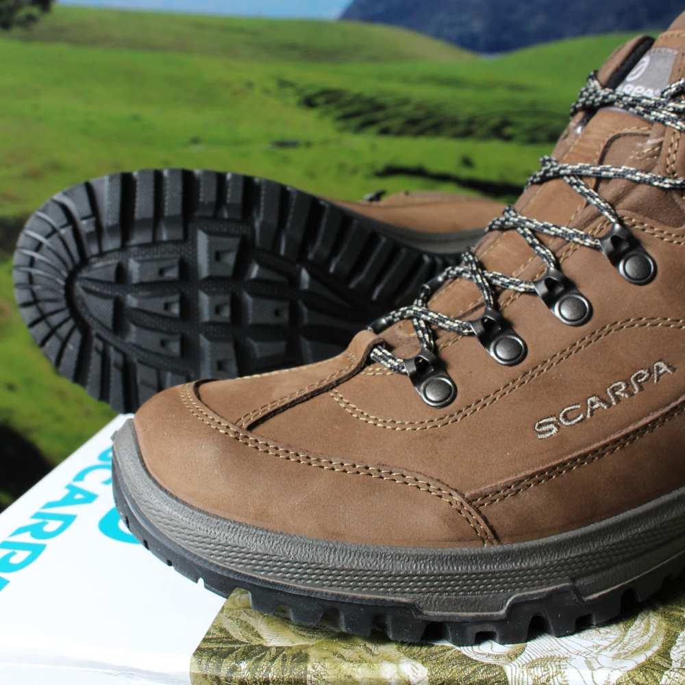 f502bc64b21 Scarpa Cyrus Mid GTX Boots